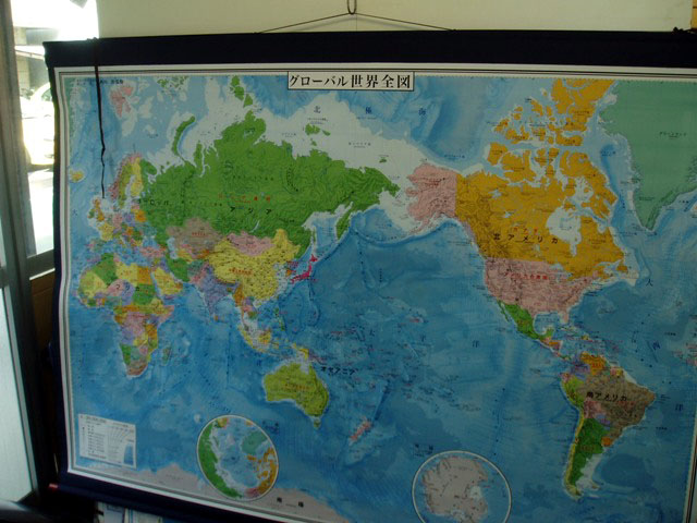 大判 世界地図 布軸製
