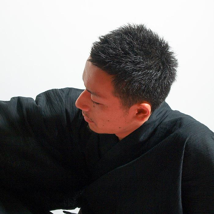 [即日発送可]男性 メンズ 浴衣【浴衣+帯+下駄+腰紐】【男】手絞り・国産高級生地使用 浴衣 セット ・男性用お仕立て上がり浴衣4点セット_【黒】【無地】