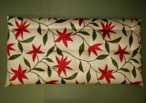 シングルサイズ敷き布団シビラ柄の敷き布団木綿わた使用した手作り敷き布団上質な木綿わたを使い、寝具製作技能士が手づくりで仕立てた、こだわりのシビラ敷き布団です。機械仕立ての布団では味わえない寝心地の良さです。