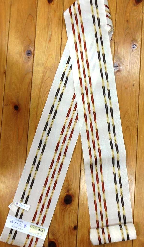 森博多織株式会社謹製 婦人ゆかた帯淡い黄色地に矢絣が織り込まれた 勢いのあるゆかた帯ですね。yukao2561-003
