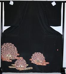 【留袖】レンタル 黒留袖 フルセットレンタル 往復送料無料 普通サイズ S M L LL 7号 9号 11号 13号 ヒップ105cm迄 留袖レンタル 貸衣装 正絹 黒留袖レンタル 結婚式 高級品 母親 服装 とめそで rental 大阪 和泉市 堺市 岸和田市 泉大津市 高石市 貝塚市【rt157】