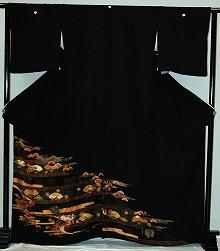 【留袖】レンタル 17号 H111cm迄 黒留袖 フルセットレンタル 往復往復 送料無料 L 2L 3L 11号 13号 15号 17号 大きいサイズ ワイドサイズ ゆったりサイズ 留袖レンタル 貸衣装 正絹 黒留袖レンタル 結婚式 高級品 母親 服装 とめそで トメソデ 黒留め袖 rental【rt215】
