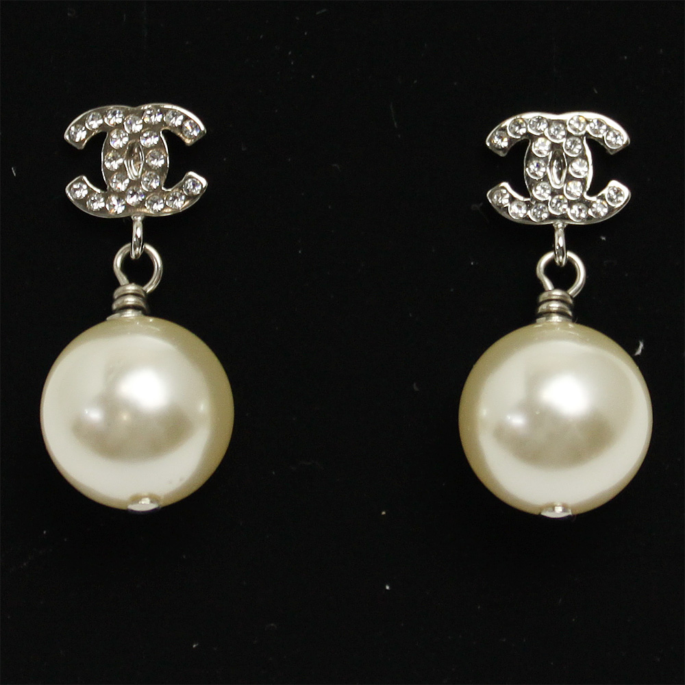 Chanel Earrings Coco Mark With Pearl Rhinestone Silver A36138 Y02005 Z2354