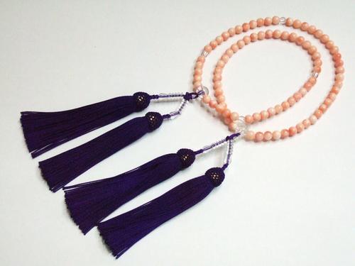 仏事用品《念珠(数珠)》「本珊瑚」心休まる珊瑚色に正絹房(紫)(#120000)
