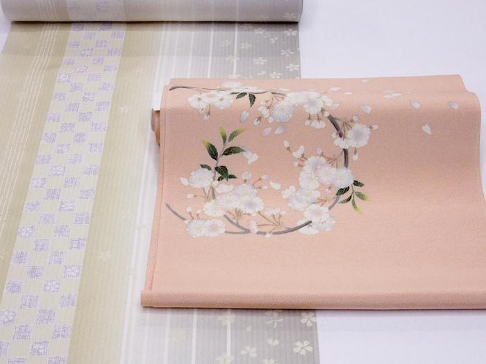 香るような美しさの《九寸名古屋帯》珊瑚色に手描きの桜「純日本製」(OB4)