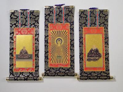 掛け軸 上仕立て3幅一組30代(浄土真宗本願寺派(お西)用) 脇絵像(親鸞さんと蓮如さんの絵の描かれた軸)