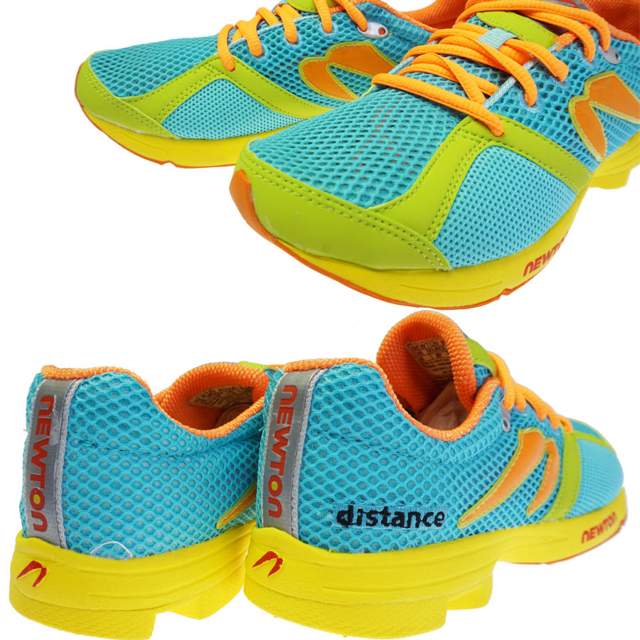 牛顿 (牛顿) 妇女的跑步鞋距离深青色 / 石灰 | W000613