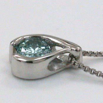 プラチナ0.1カラットVS2 PT900ブルーダイヤモンドペンダントネックレス
