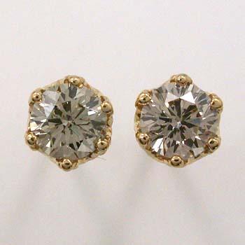 18金ゴールド/K18イエローゴールド(青金NO2色)/18金ピンクゴールド3種類からお選びいただけます。ライトブラウンダイヤモンド0.25カラットx2トータル0.5カラットピアス(太さ0.9mmx長さ10mm芯・シリコンキャッチ付)
