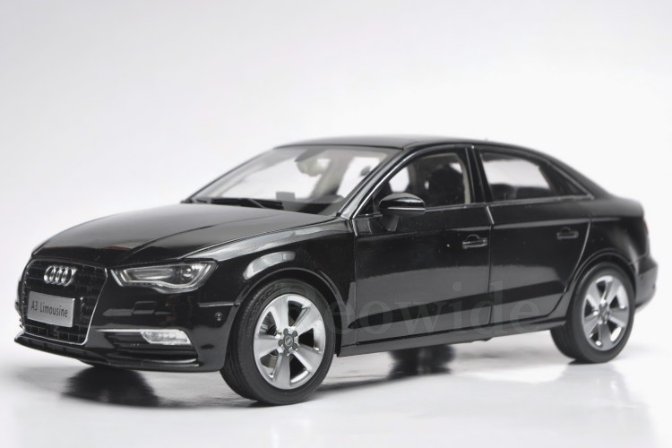 アウディ特注 1/18 アウディ A3 セダン ブラック 8V Audi A3 Limousine