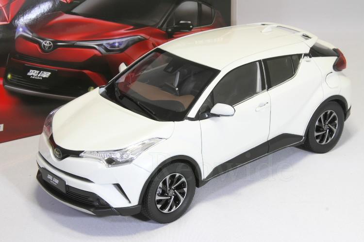 トヨタ特注 1/18 トヨタ C-HR ホワイト Toyota IZOA