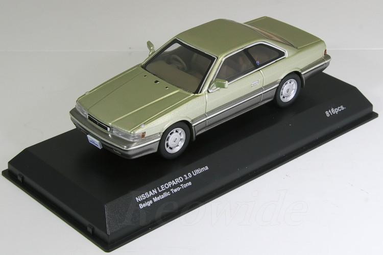 1986 ツートン 3.0 レパード 1/43 日産 ウルティマ ベージュ 京商