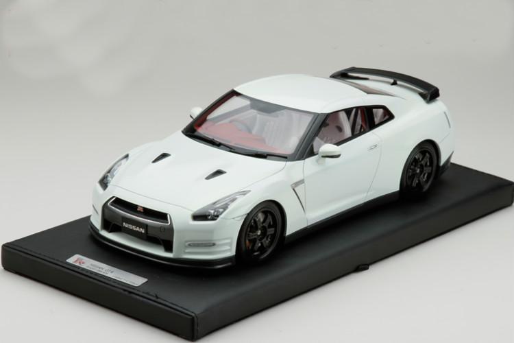 MARK 1/18 日産 R35 GT-R エゴイスト ホワイト 2013 100台限定