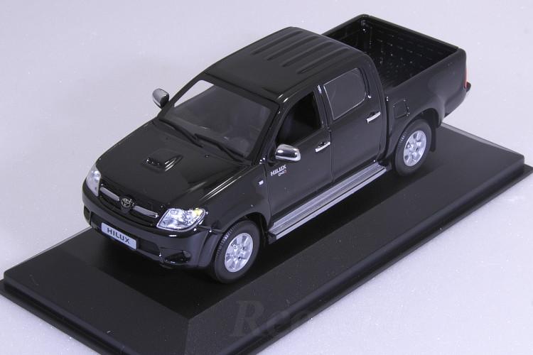 ミニチャンプス 1/43 トヨタ ハイラックス 2006 ブラック ディーラーBOX 海外限定 TOYOTA HILUX