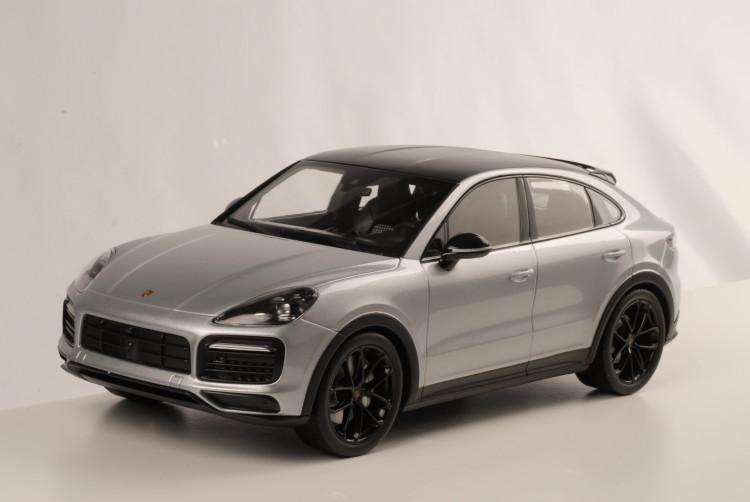 ノレブ 1/18 ポルシェ ケイマン S クーペ 2019 ドロマイトシルバー Porsche Cayenne Coupe dolomite silver