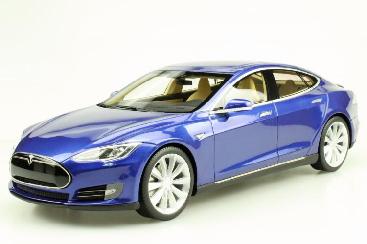 Model LS-COLLECTIBLES テスラ モデルS S 1/18 ブルーTesla 2012