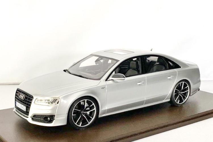 Motorhelix 1/18 アウディ S8 プラス 2017 D4 シルバー 399台限定 Audi S8 plus Florettsilber