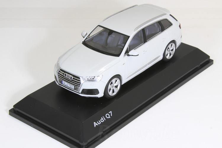 スパーク 1/43 アウディ Q7 V8 TDI QUATTRO S-LINE 2014 ホワイト (Gracier White)