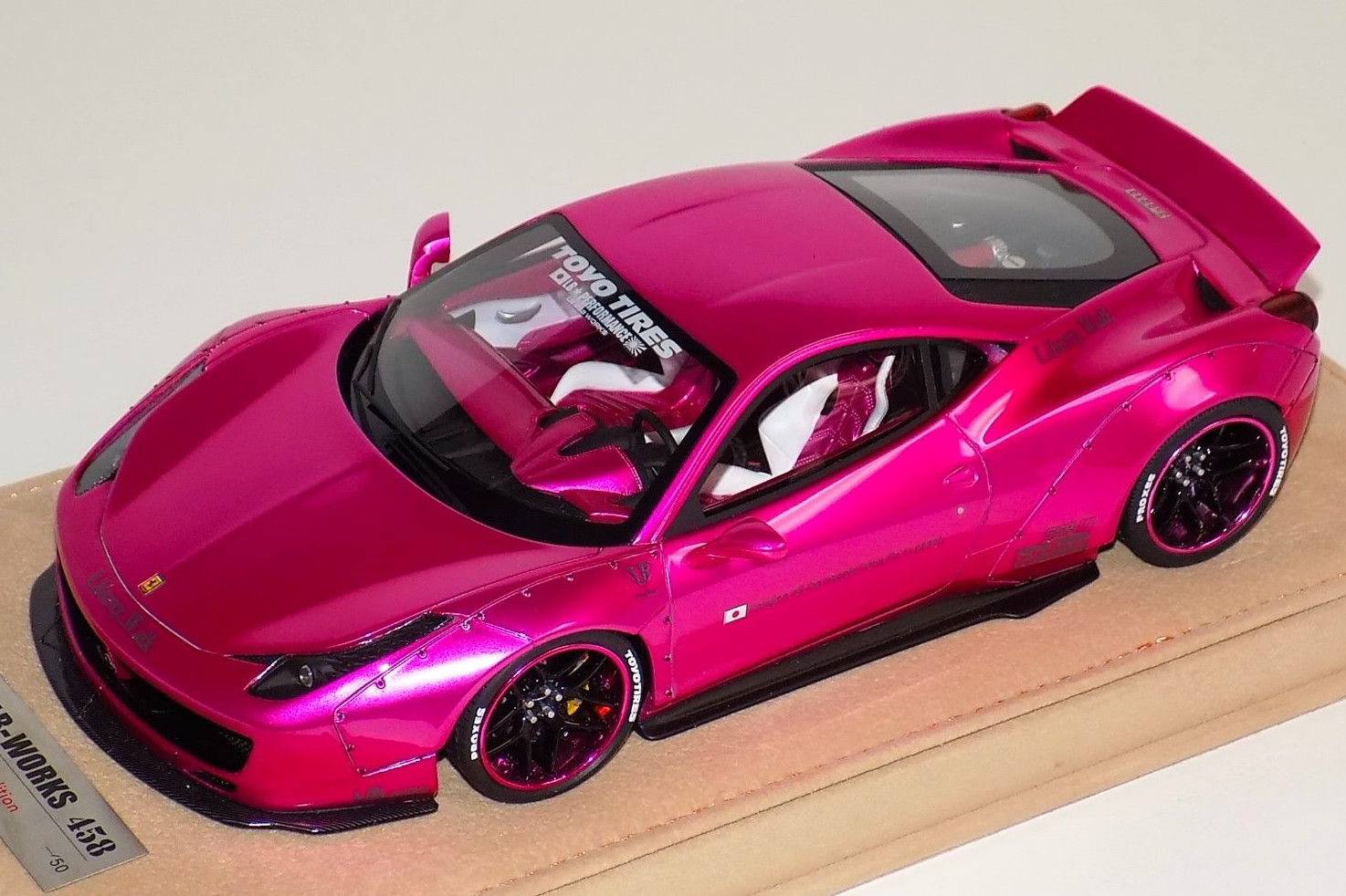 Liberty Walk 1/18 LB★WORKS フェラーリ 458 イタリア Flash Pink Version A 内装 50台限定