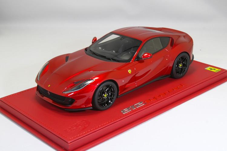 BBR 1/18 フェラーリ 812 スーパーファスト メタリックレッド 20台限定 レザー台座Ferrari 812 Superfast Rosso ケース付き
