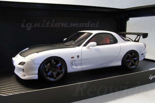 Ignition 1/18 Mazda FD3S RX 7 Spirit R Type A White / Black Hood TE37