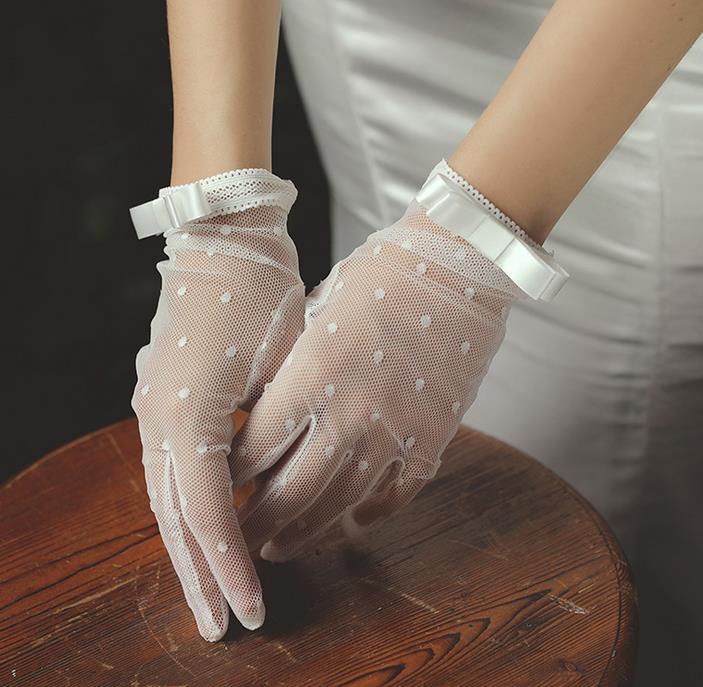 メール便送料無料 ウェディング ウェディンググローブ ウェディングドレス小物 ショート グローブ 贈与 小物 ブライダル ショートグローブ オフホワイトブライズメイド メール便限定送料無料 結婚式 発表会 超歓迎された 花嫁 手袋