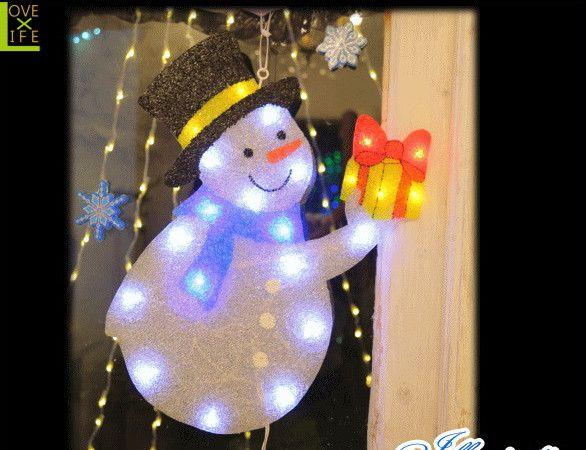 【イルミネーション】LED プレゼントスノーマン【雪だるま】【ウィンドウ】【デコレーション】【窓】【室内用】【小物】【グッズ】【室内】【装飾】【飾り】【電飾】【モチーフ】【クリスマス】【かわいい】今年もキュートなモチーフが多数新登場 かわいく飾り付け