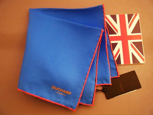 紳士用父の日チーフ シルクチーフ Silk chief ポケットスクエアー TVホールド クラッシュ 期間限定今なら送料無料 3ピークマナー ポケットチーフ フーラード Size30x30cm 紳士 C196 Duchamp ドゥシャン 別倉庫からの配送 Blue ブルー 英国製 メンズ