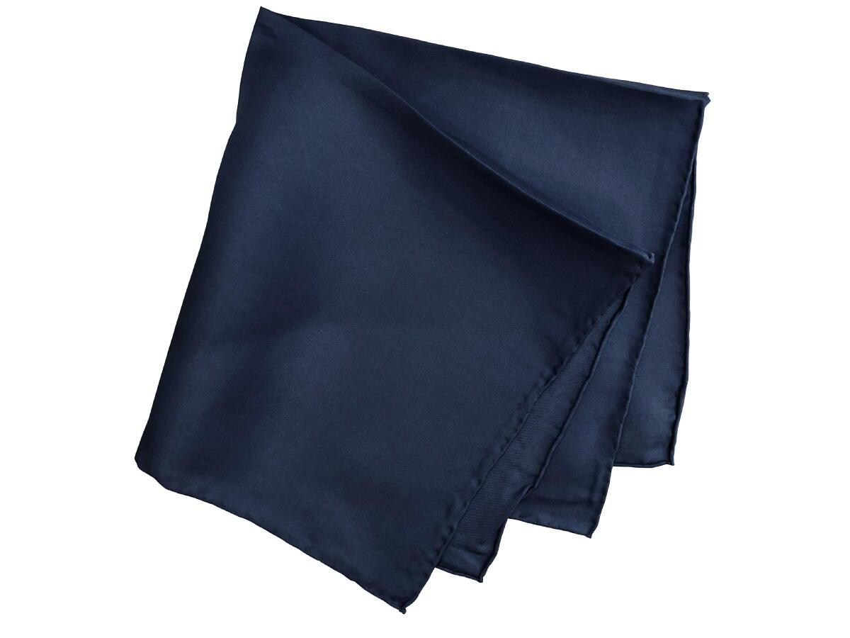 紳士用 Seasonal Wrap入荷 父の日 チーフ シルクチーフ Silk chief 40%OFFの激安セール ポケットスクエアー TVホールド クラッシュ 3ピークマナー ポケットチーフ C229 英国 ロンドン of 紳士 マイケルソン メンズ 大判 Navy Solid Size43x43cm