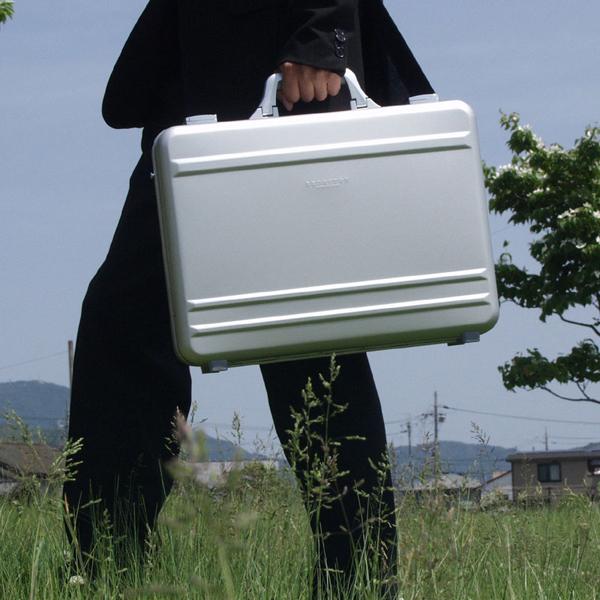 送料無料 BROMPTON アルミ アタッシュケース B4F 45cm ショルダーベルト付き ビジネスバッグ メンズ 紳士用 男性用 かばん カバン 鞄 21199