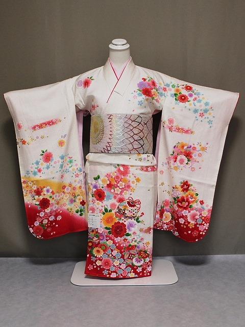 正絹四ツ身着物 日本製女児七歳用 七五三着物 Z3756