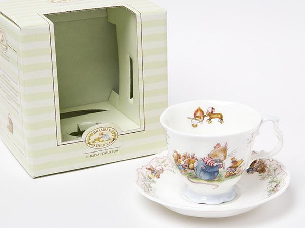 ロイヤルドルトン バースデー ティーカップ&ソーサー お茶のふじい・藤井茶舗