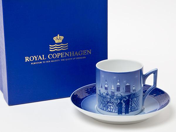 ロイヤルコペンハーゲン【クリスマスアイテム】CHRISTMAS EVE IN COPENHAGENイヤーカップ&ソーサー コレクタブル1988年お茶のふじい・藤井茶舗