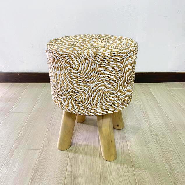グルグルと紐を巻き付けてデザインされた個性的な丸イス バリ家具 アジアン家具 スツール 限定特価 丸椅子 渦巻柄 イス 椅子 大規模セール インテリア オットマン リビング チェア 木製 おしゃれ 新生活