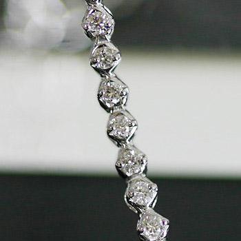 重ねて着けたい!0.5ct繊細ダイヤモンドブレスレット※こちらの商品はご注文頂いてからお届けまで約1ヶ月お時間がかかります。 誕生石 4月