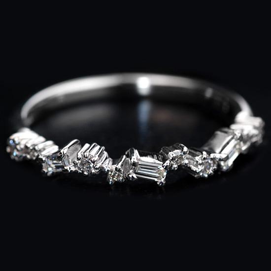 ブリリアントカットダイヤモンド&バケットカットダイヤモンドリング「エスバス」ゴールド、ピンクゴールドでもお作り頂けますオーダー 誕生石 4月