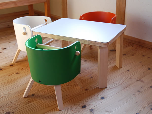 ★日本製★CAROTA カロタテーブル 佐々木デザイン ファンタジア キッズテーブル ホワイト