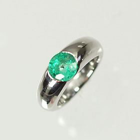 【5月の誕生石】K18WG・エメラルド 誕生石ベビーリング(指輪) 一粒タイプ 送料無料