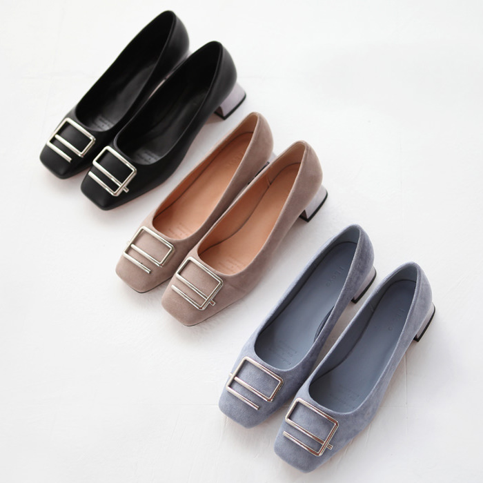 パンプス ローヒール バックル メタルヒール レディース 太ヒール 黒 ブラック スカイブルー ベージュ 靴 婦人靴 歩きやすい