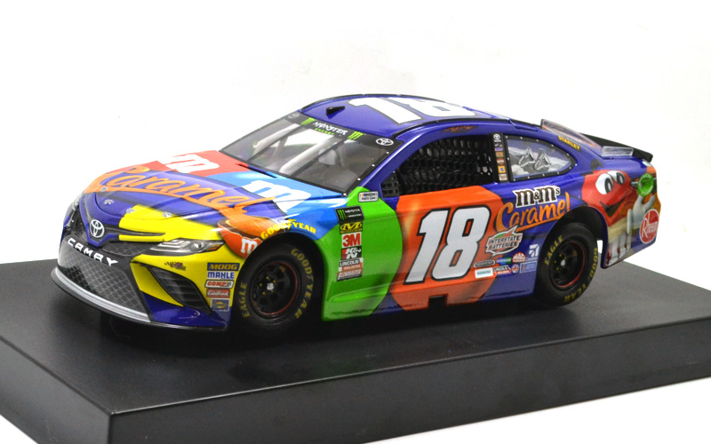 ACTION LIONEL Racing 2018 KYLE BUSCH #18 M&M'S TOYOTA CAMRY  2018 ナスカー 637台限定 「カイル・ブッシュ」 #18 「トヨタ カムリ」NASCAR ナスカー チョコレート エム・アンド・エムズスカー チョコレート エム・アンド・エムズ [並行輸入品]
