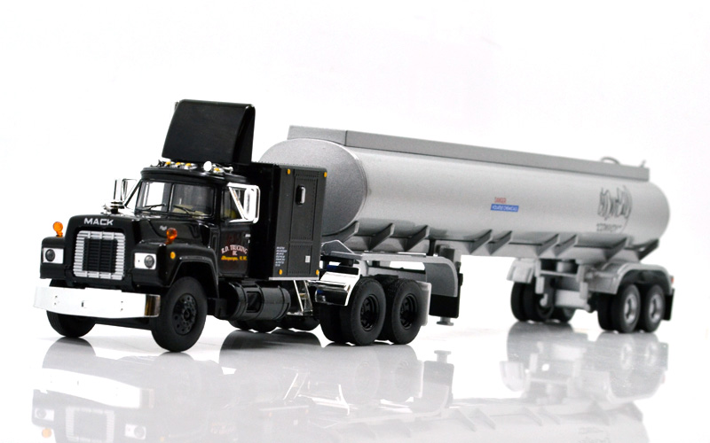 FIRST GEAR 1:64 CONVOY RUBBER DUCK R.D. TRUKING MACK R TANKER SEMI
