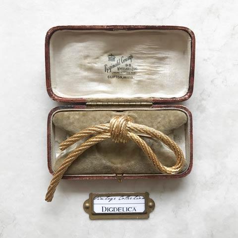 【ChristianDior】クリスチャンディオール ヴィンテージ ブローチ Brooch Vintage v1474【DIGDELICA】ディデリカ ディオール 年代物 UESD中古品