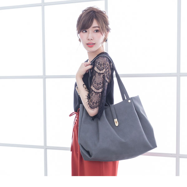 Large tuck Thoth shoulder bag 2WAY flap belt A4 storing synthetic leather adult commuting trip wine gray navy khaki black beige ivory camel red black F Lady's dream fine-view 0710 ◆ 7/13 shipment plan