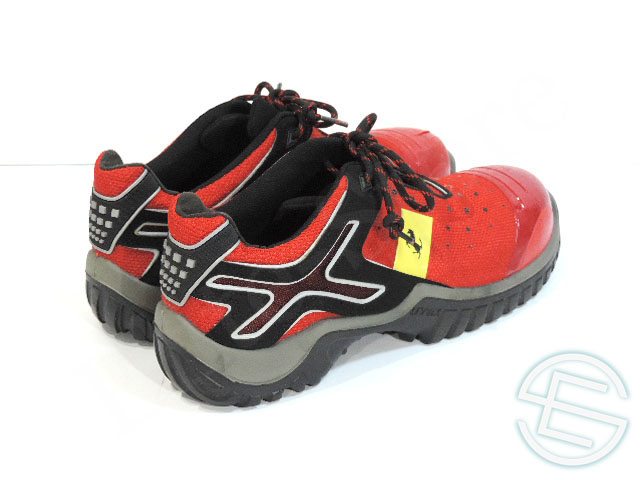 Ferrari supplies Factory made UVEX shoes (safety shoes) 44 size 5/5 (USED goods for sale to F1 imported from overseas)