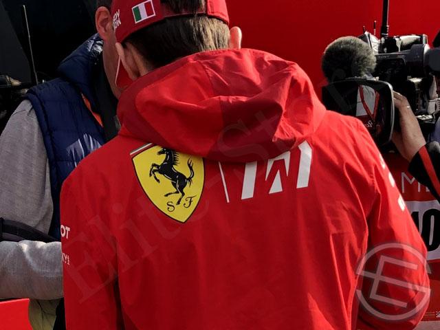 送料無料フェラーリ 2019年 支給品 ドライバー用 レイン ジャケット ライトジャケット メンズ S new海外直輸入 F1 非売品グッズpVSUzM