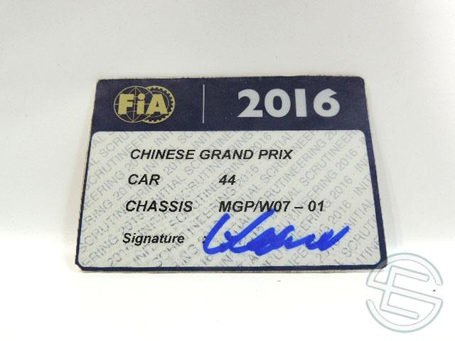 【送料無料】 メルセデス AMG 2016年 中国GP ハミルトン車用 実使用 車検証 (海外直輸入 F1 非売品USEDグッズ)