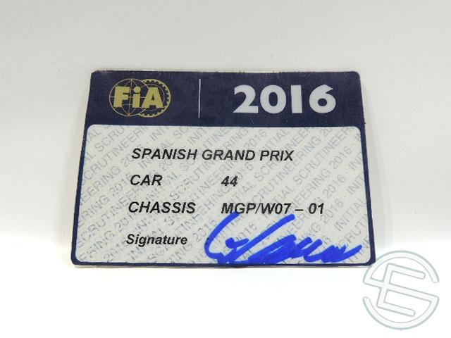 【送料無料】 メルセデス AMG 2016年 スペインGP ハミルトン車用 実使用 車検証 (海外直輸入 F1 非売品USEDグッズ)