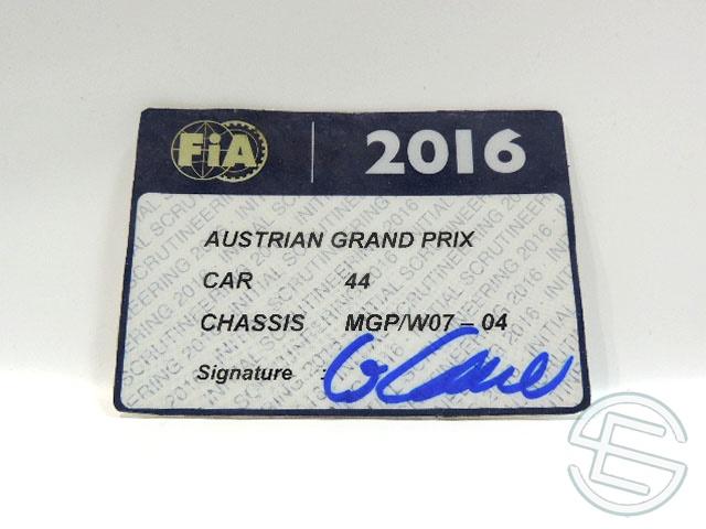 【送料無料】 メルセデス AMG 2016年 オーストリアGP ハミルトン車用 実使用 車検証 (海外直輸入 F1 非売品USEDグッズ)