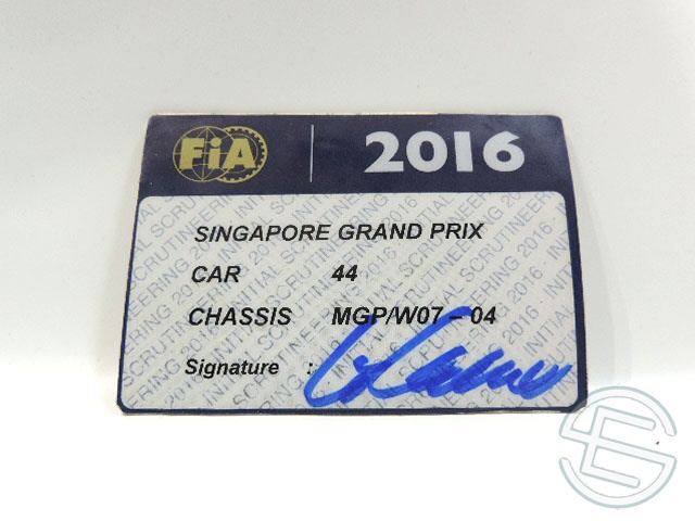 【送料無料】 メルセデス AMG 2016年 シンガポールGP ハミルトン車用 実使用 車検証 (海外直輸入 F1 非売品USEDグッズ)