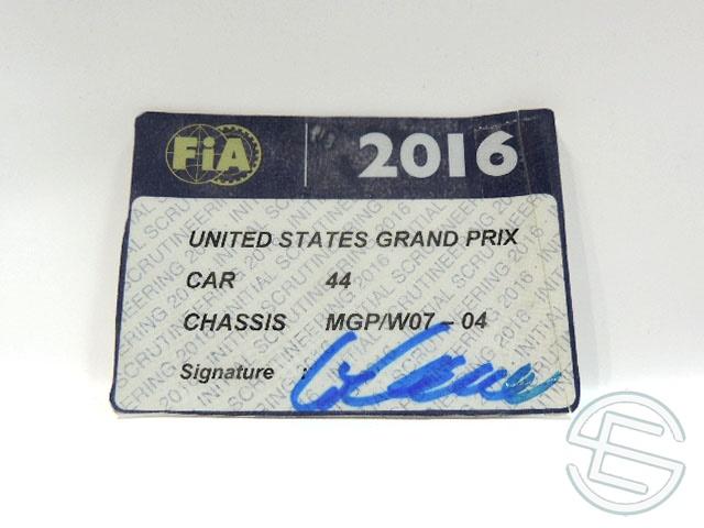 【送料無料】 メルセデス AMG 2016年 アメリカGP ハミルトン車用 実使用 車検証 (海外直輸入 F1 非売品USEDグッズ)